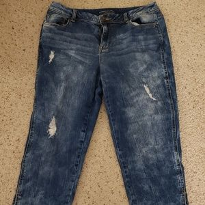 Maurice's acid wash Capri jeans 9 / 10